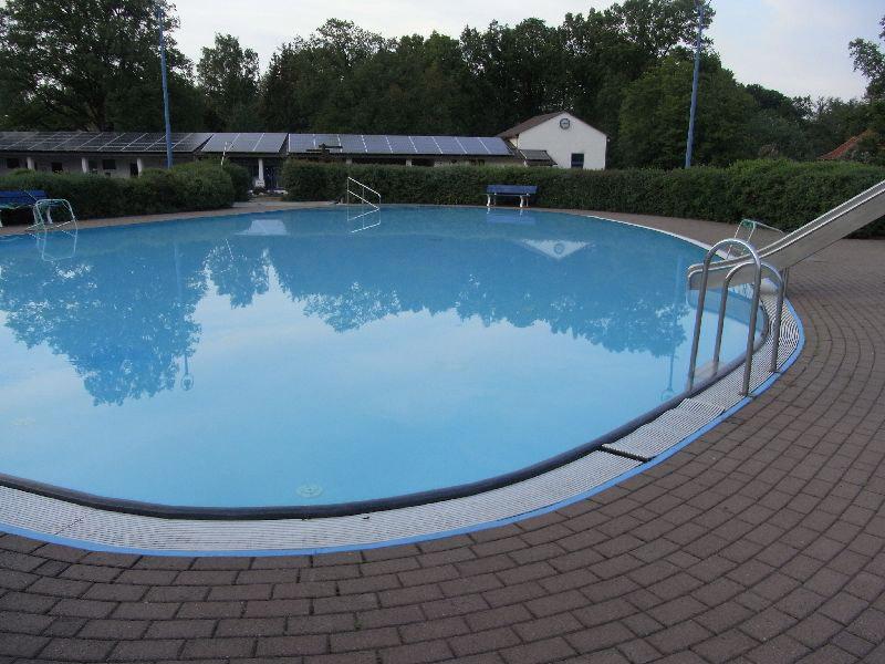 Schwimmbecken folienauskleidung schwimmbadtechnik for Vlies pool verlegen
